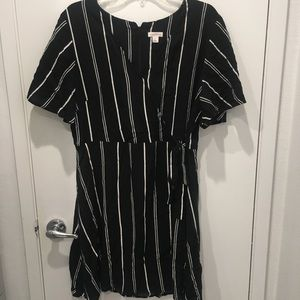 Striped Wrap Dress Flutter Sleeves Sz XL